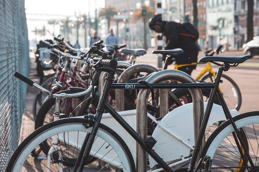 locking bike commute