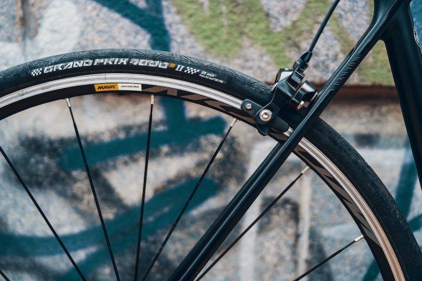 rim brakes commuter bike