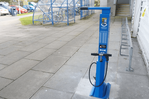 Cycle Repair Stand with Integrated Pump